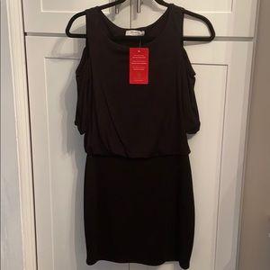 Evereve Bailey 44 Cold Shoulder Dress